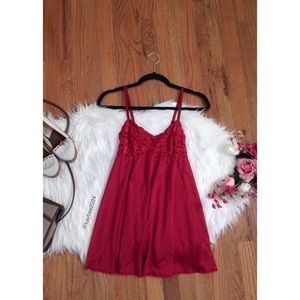 🌿 Vtg 90's Ruby Red Babydoll Slip 🌿